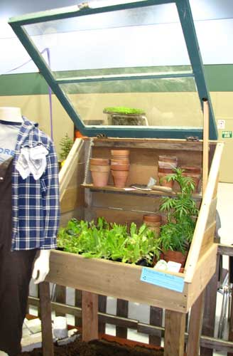 Cold frame on a stand